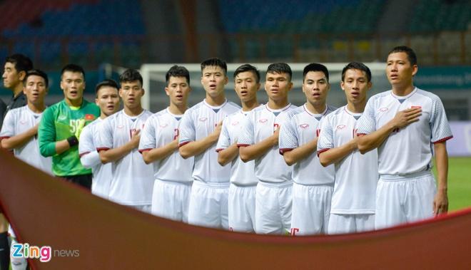 'Song Duc' ghi ban, Olympic Viet Nam vuot qua vong bang ASIAD hinh anh 1