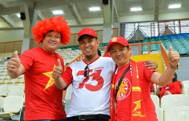 'Song Duc' ghi ban, Olympic Viet Nam vuot qua vong bang ASIAD hinh anh 10