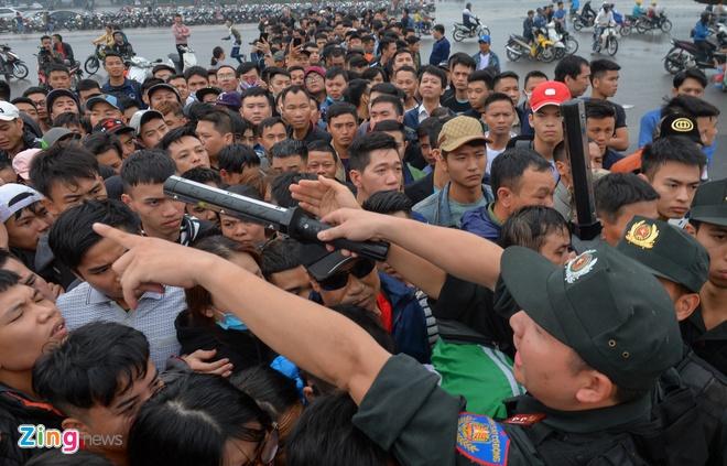 Cac tuyen thu Viet Nam xu ly con ac mong xin ve tran gap Malaysia hinh anh 1