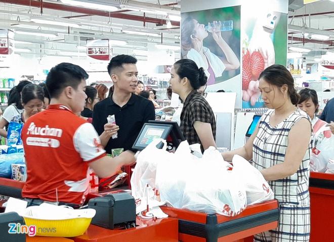 Toan bo he thong sieu thi Auchan ve tay dai gia ban le Viet hinh anh 1