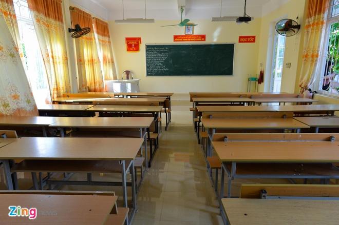 Truong chuyen Cao Bang - noi Hoa hau Thuy Linh tung theo hoc hinh anh 4