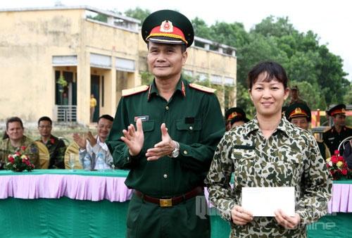 Bo doi Dac cong trinh dien vo thuat hinh anh 17