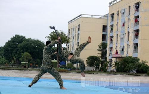 Bo doi Dac cong trinh dien vo thuat hinh anh 4