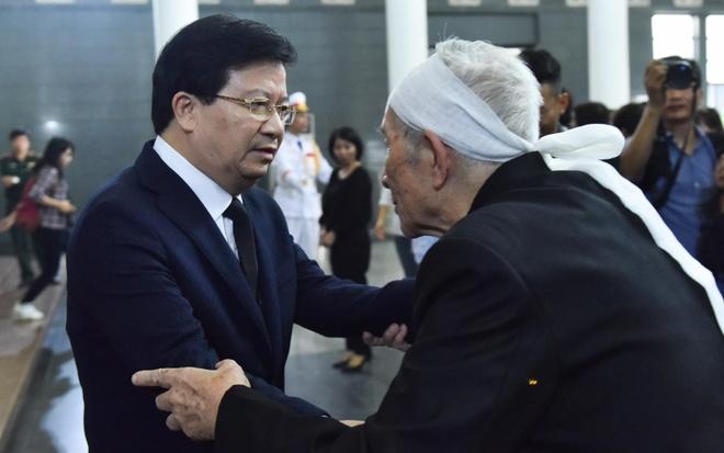 Lanh dao Chinh phu vieng cu Hoang Thi Minh Ho hinh anh