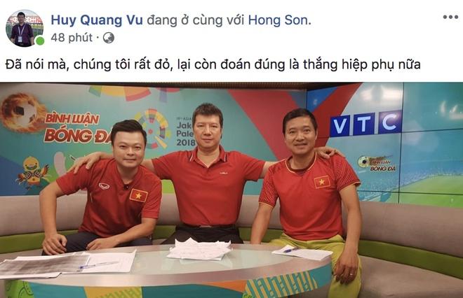 Bien nguoi ra duong xuyen dem mung chien thang cua Olympic Viet Nam hinh anh 12