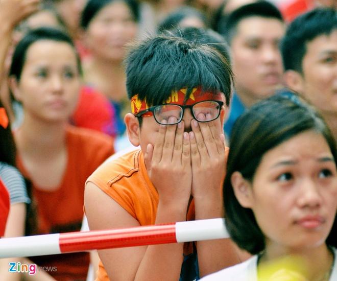 Hang trieu co dong vien lang nguoi sau loat penalty can nao hinh anh 100