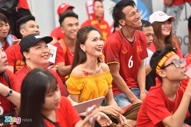 Hang trieu co dong vien lang nguoi sau loat penalty can nao hinh anh 93