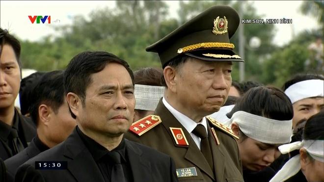 Le an tang Chu tich nuoc Tran Dai Quang tai que nha hinh anh 21