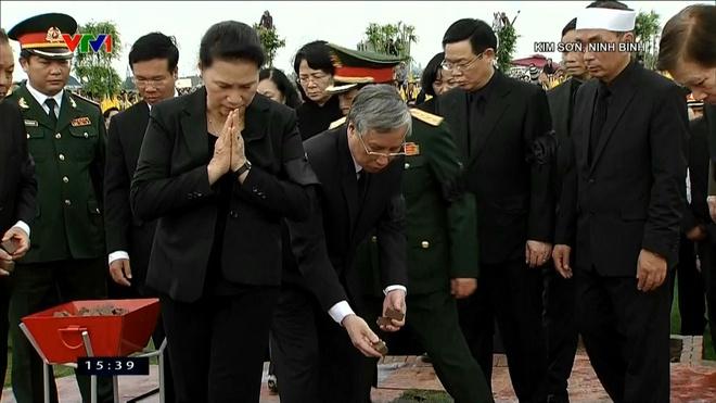 Le an tang Chu tich nuoc Tran Dai Quang tai que nha hinh anh 26