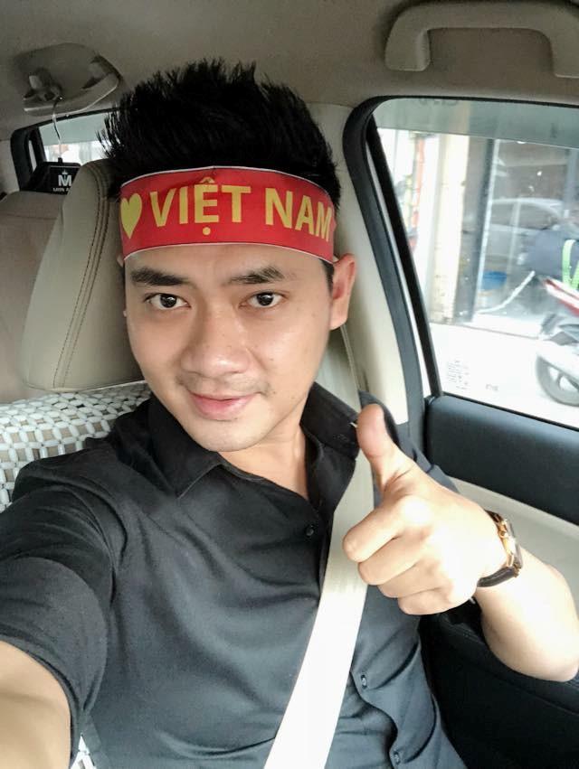 Sai Gon - Ha Noi tung bung truoc chien thang 2-0 cua tuyen Viet Nam hinh anh 8