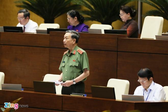 Bộ trưởng Tô Lâm: 'CSGT nhận mãi lộ sẽ bị xử phạt rất nghiêm khắc'