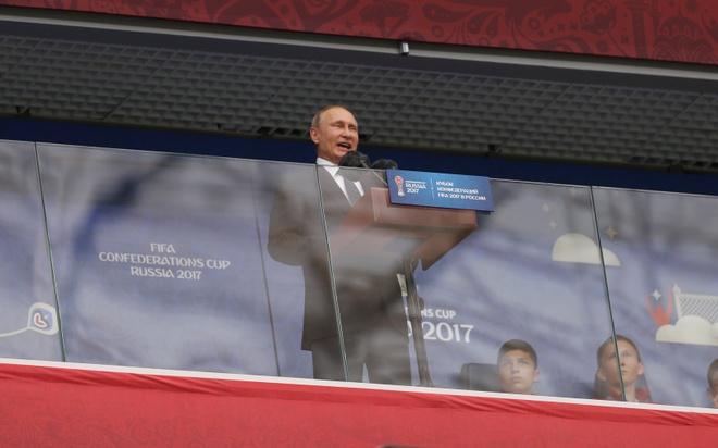 Tong thong Putin dan dau dan khach VIP o buoi le khai mac Confed Cup hinh anh 1