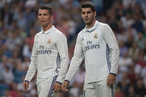 Chuyen nhuong 27/6: Ronaldo tri hoan ngay Morata den MU hinh anh