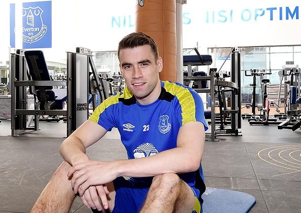 Everton hoa 'dai gia' mua toi voi 6 tan binh hinh anh 2