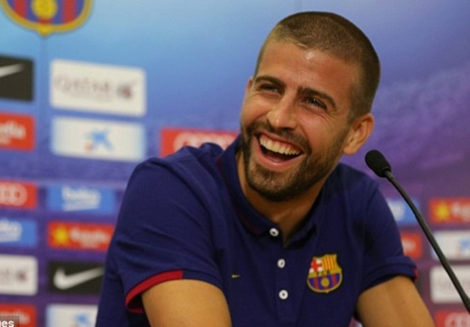 Pique: 'Ronaldo hay nhat nam, Messi gioi nhat lich su' hinh anh 1