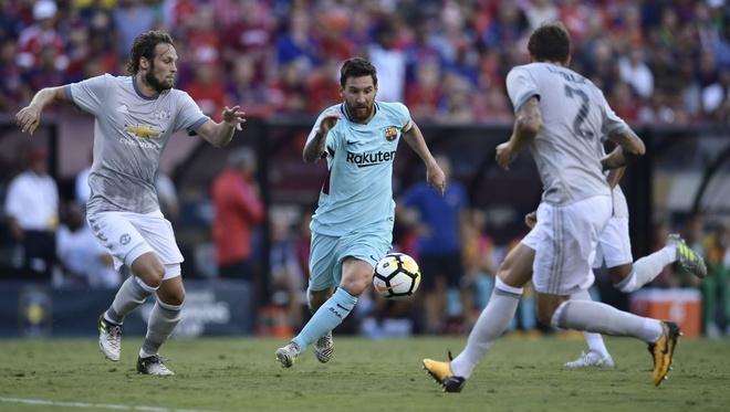 Barcelona vs Man Utd (1-0): Lukaku choi mo nhat hinh anh 16