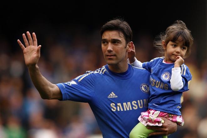 Doi hinh ngoi sao dat nhat su nghiep Mourinho hinh anh 2