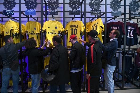 Neymar phu nhan roi Barca de thoat cai bong Messi hinh anh 15