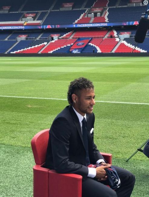 Neymar phu nhan roi Barca de thoat cai bong Messi hinh anh 5