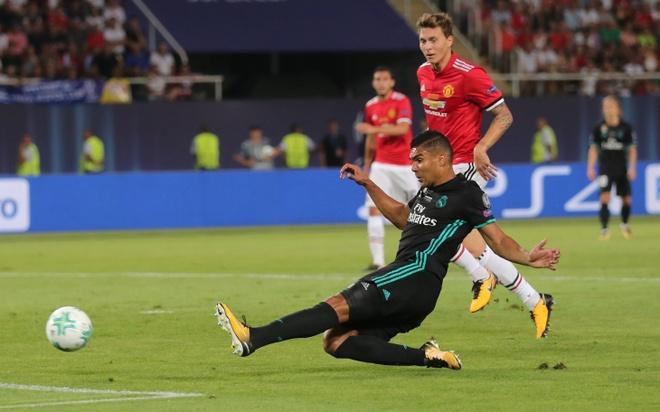 Ronaldo khoac vai Mourinho, an mung phan khich sau chuc vo dich hinh anh 10