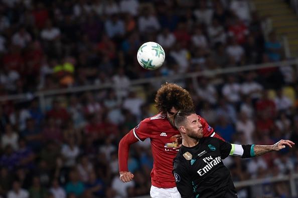 Fellaini hoa nguoi hung trong mat CDV Man Utd hinh anh 3