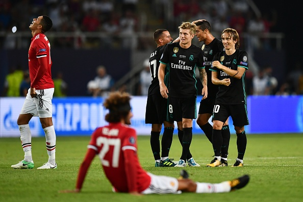 Fellaini hoa nguoi hung trong mat CDV Man Utd hinh anh 11