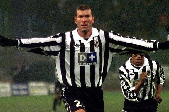 Zidane, Kaka va doi hinh dat nhat lich su La Liga hinh anh 15
