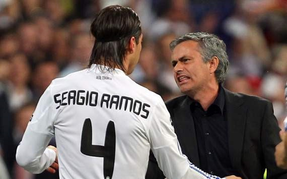 Mourinho bi tro cu cuoi mia mai sau tran thua Real hinh anh 1