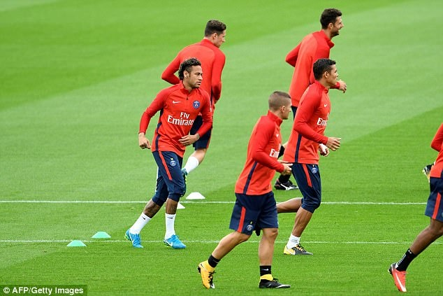Neymar hang hai tap luyen san sang ra mat Parc des Princes hinh anh 4