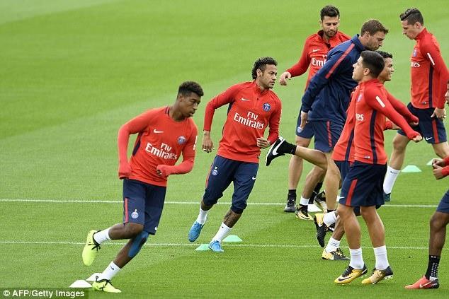 Neymar hang hai tap luyen san sang ra mat Parc des Princes hinh anh 5