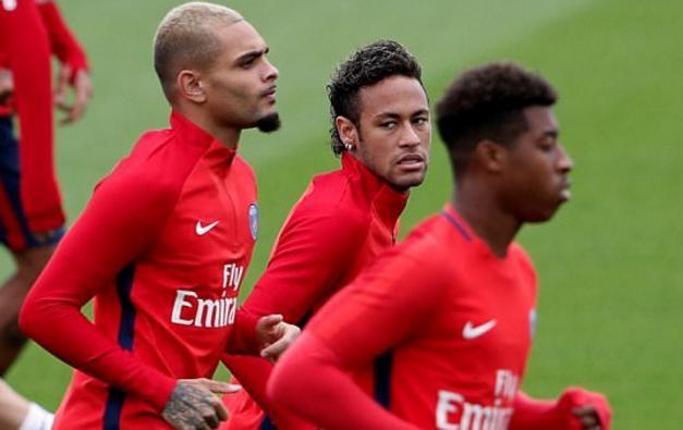 Neymar hang hai tap luyen san sang ra mat Parc des Princes hinh anh