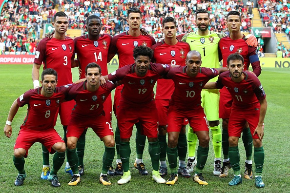 Ronaldo lap hat-trick, Bo Dao Nha thang dam tai vong loai World Cup hinh anh 1