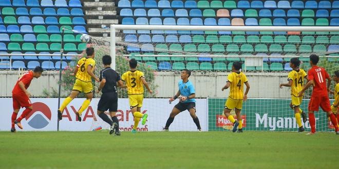 Viet Nam khoi dau giai U18 Dong Nam A bang tran thang 8-1 hinh anh 2