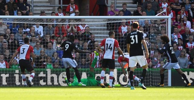 Southampton vs Man Utd (0-1): Chien thang xau xi hinh anh 13