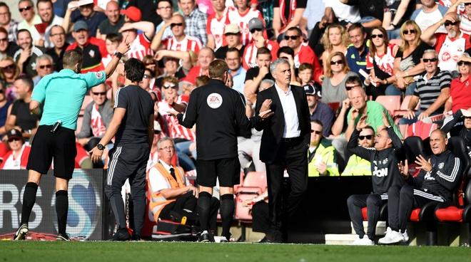 Mourinho co tinh chiu phat de cau gio cho hoc tro? hinh anh 4