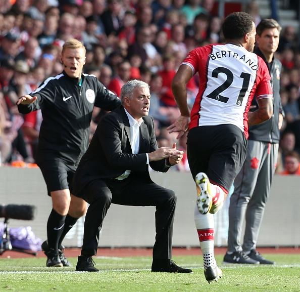 Mourinho co tinh chiu phat de cau gio cho hoc tro? hinh anh 2