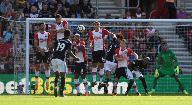 Southampton vs Man Utd (0-1): Chien thang xau xi hinh anh 15