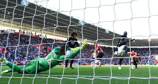 Southampton vs Man Utd (0-1): Chien thang xau xi hinh anh 1