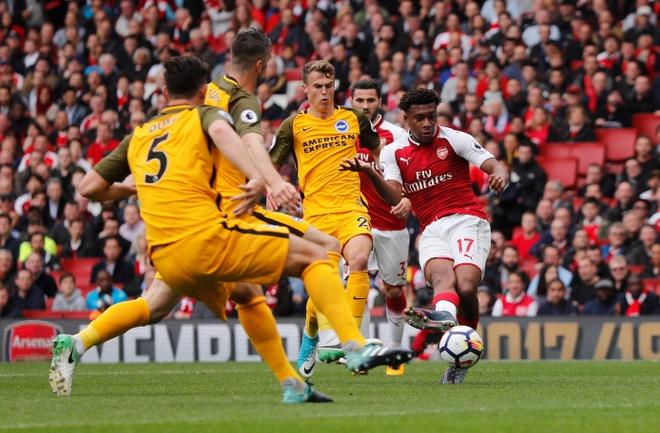 Arsenal vs Brighton (2-0): Sanchez kien tao dang cap hinh anh 16