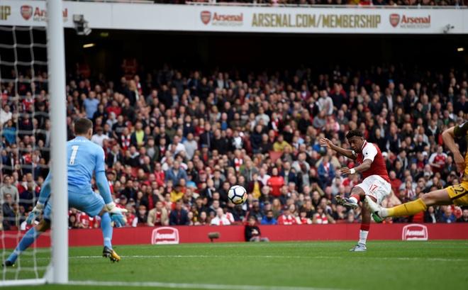 Arsenal vs Brighton (2-0): Sanchez kien tao dang cap hinh anh 25