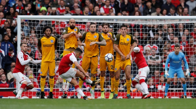 Arsenal vs Brighton (2-0): Sanchez kien tao dang cap hinh anh 29