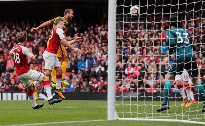 Arsenal vs Brighton (2-0): Sanchez kien tao dang cap hinh anh 30