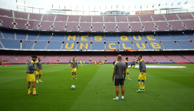 Messi ghi 2 ban, Barca co 3 diem trong tran cau khong khan gia hinh anh 9