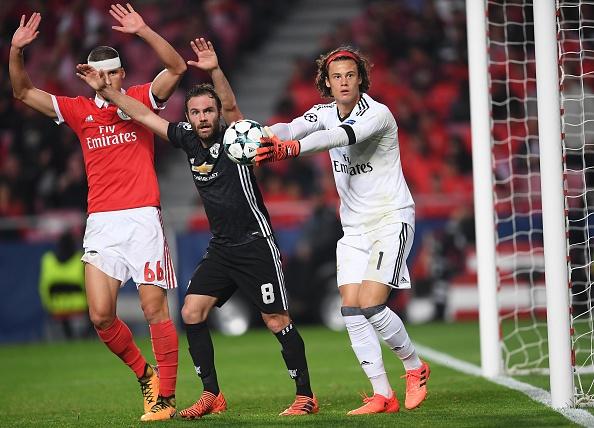 Dan sao MU dong vien thu mon Benfica dung day sau sai lam hinh anh 8