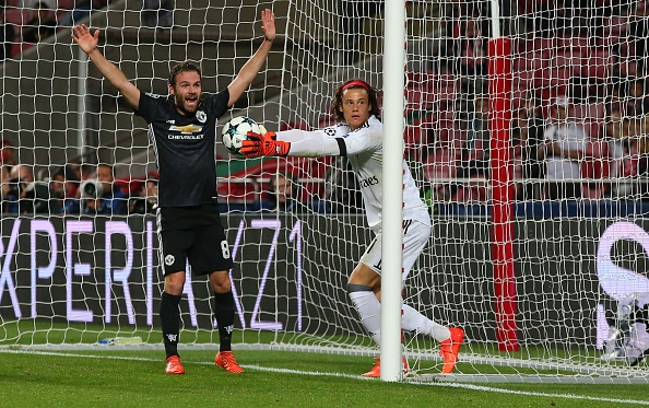Dan sao MU dong vien thu mon Benfica anh 1