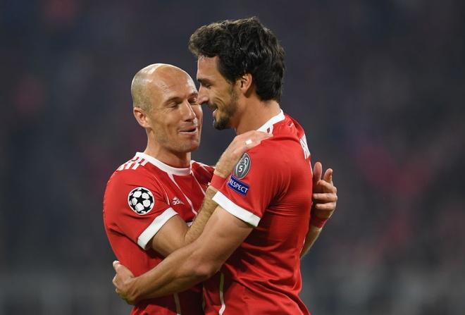 Bayern lai thang tung bung sau khi sa thai Carlo Ancelotti hinh anh