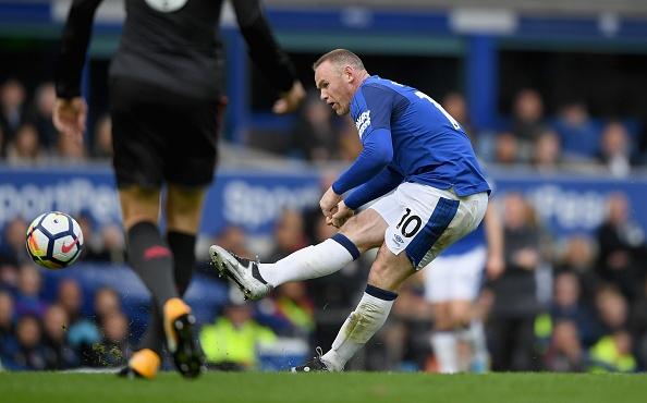 Everton 2-5 Arsenal: Mon qua sinh nhat y nghia cho Arsene Wenger hinh anh 11