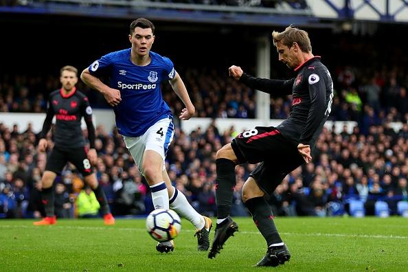 Everton 2-5 Arsenal: Mon qua sinh nhat y nghia cho Arsene Wenger hinh anh 17