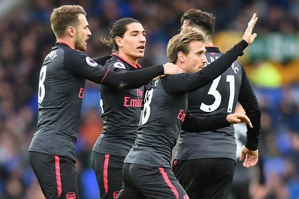 Everton 2-5 Arsenal: Mon qua sinh nhat y nghia cho Arsene Wenger hinh anh 18
