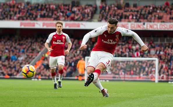 Arsenal 2-1 Swansea: 'Xe tang' khai hoa hinh anh 15